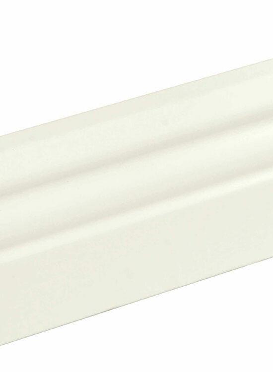 Sockelleiste profiliert L0132L, RAL9010 18 x 58 mm Fichte/Kiefer weiß lackiert, 240 cm